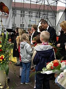 Blumen f?r den Petersberg-Chefplaner Wette